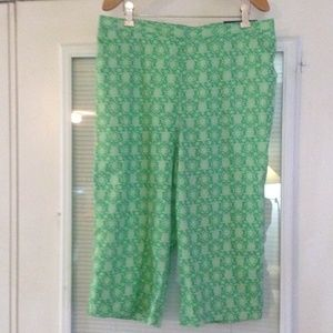 Alfred Dunner Green Capris Sz 14P NWT